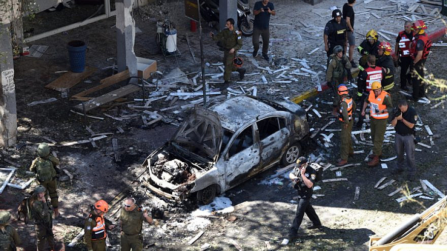 The aftermath of a Hamas rocket barrage on central Israel, which left 55-year-old Ramat Gan resident Gershon Franco dead, May 15, 2021. Photo by Gili Yaari/Flash90.