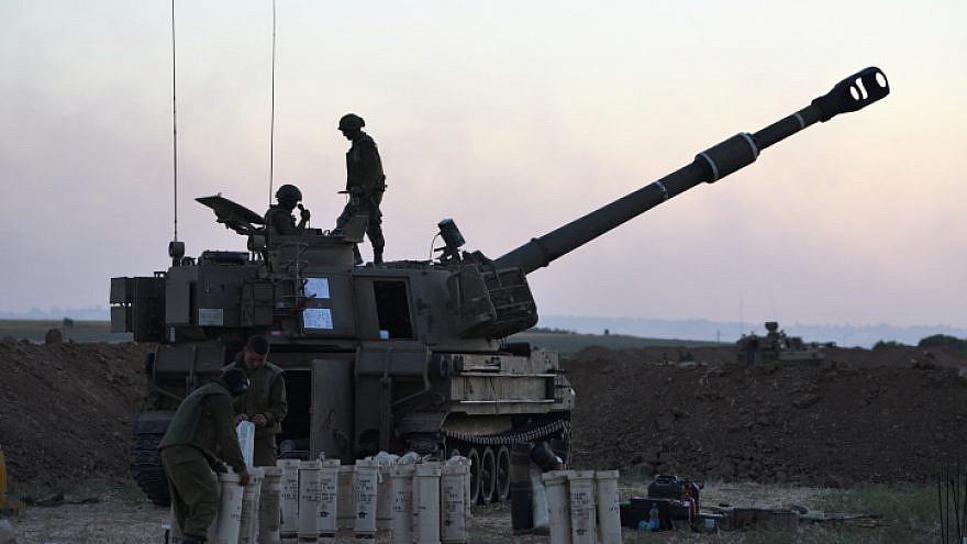 An Israel Defense Forces artillery unit near the border with the Gaza Strip, May 18, 2021. Photo by Gili Yaari/Flash90.