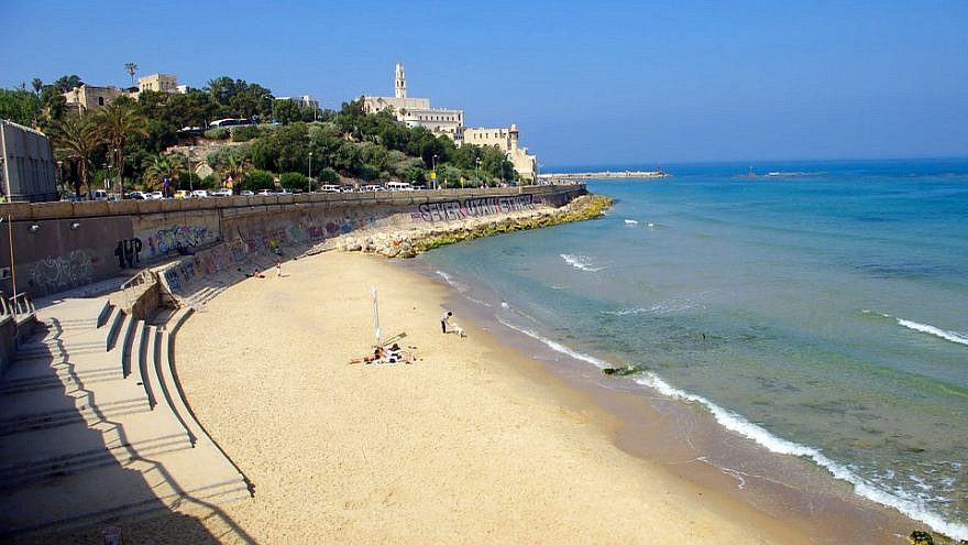 Tel Aviv beach looking towards Jaffa, Israel. Credit: Pixabay.