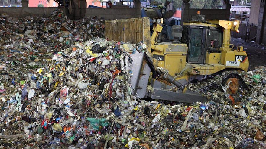 The Hiriya Landfill Restoration Project, located southeast of Tel Aviv. Photo by Yaakov Naumi/Flash90.