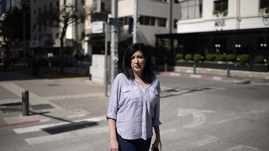 """Shimrit Meir when she was editor-in-chief of """"Al-Masdar"""" (""""The Source""""), an online Arabic-language newspaper, in Tel Aviv, on March 2, 2105. Photo by Tomer Neuberg/Flash90."""