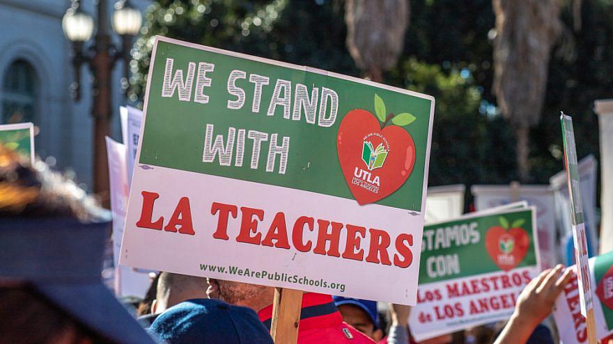 UTLA march in Los Angeles. Credit: John Doukas/Shutterstock.