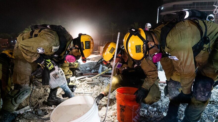 Soldiers with the IDF Home Front Command helping find survivors amid the rubble in Surfside, Fla., June 2021. Credit: IDF Home Front Command.