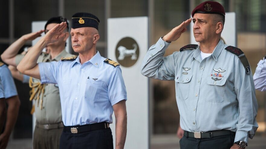 Chief of the Defense Staff of the Italian Armed Forces Gen. Enzo Vecciarelli with Israe Defense Forces Chief of Staff Lt. Gen. Aviv Kochavi in Israel, July 14, 2021. Credit: IDF Spokesperson's Unit.