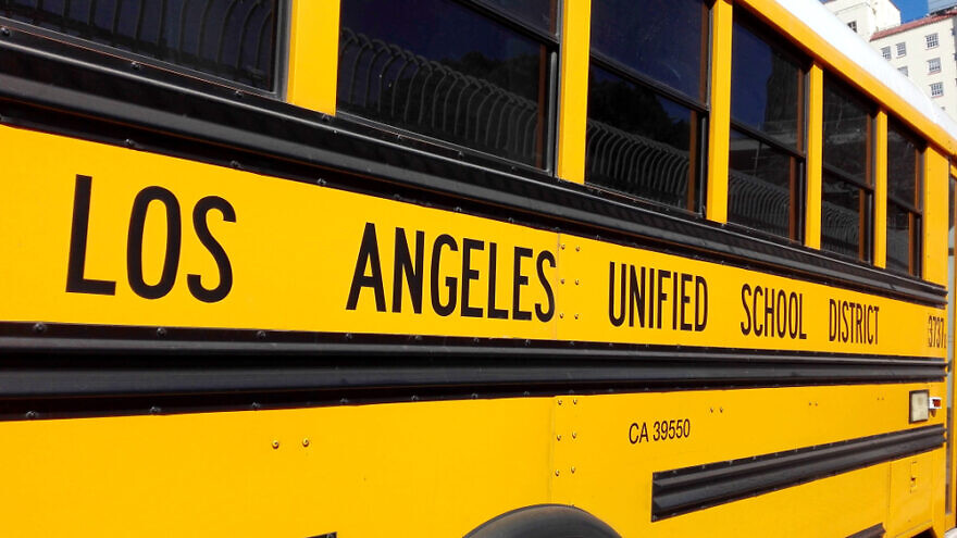 Los Angeles Unified School Bus in Hollywood on Orange Driv. Credit: Walter Cicchetti/Shutterstock.