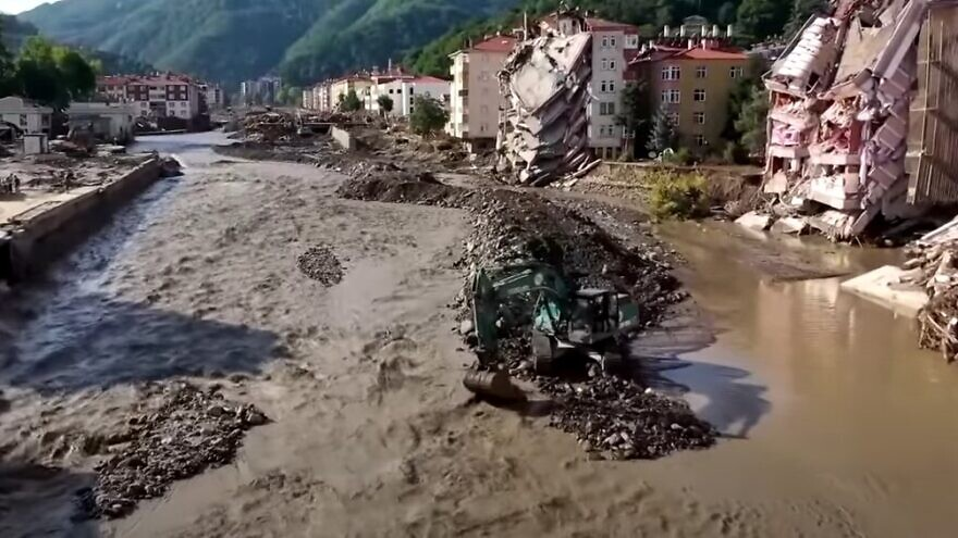 The aftermath of flooding in the town of Bozkurt in Turkey's Kastamonu Province in the Black Sea Region, August 2021. Source: Screenshot.
