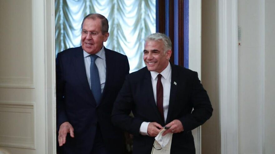Israeli Foreign Minister Yair Lapid with Russian Foreign Minister Sergey Lavrov in Moscow, Sept. 9, 2021. Source: Yair Lapid/Twitter.