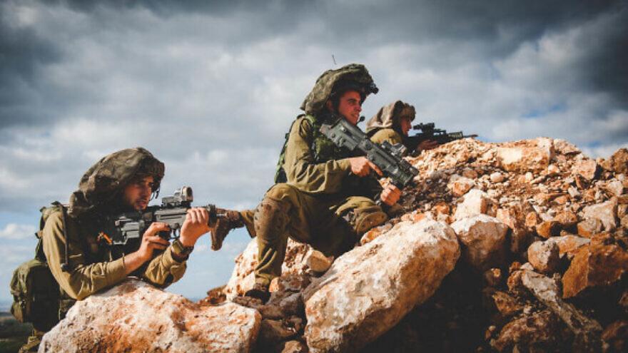 IIsraeli soldiers with Tavor rifles. Credit: IDF Spokesperson's Unit.