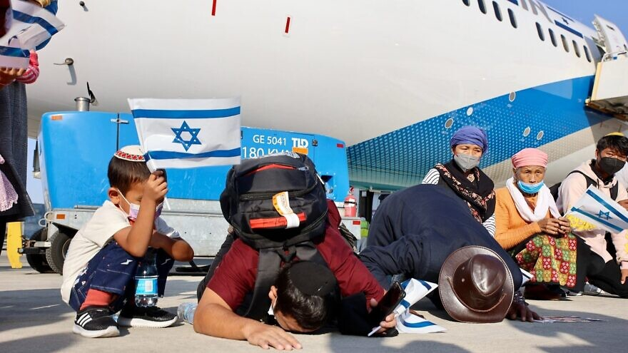 A total of 235 new immigrants from the Bnei Menashe community in India landed in Israel on Oct. 13, 2021. Credit: Laura Ben David, courtesy of Shavei Israel.