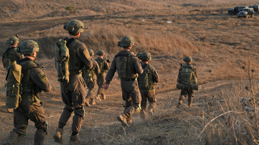 Israeli soldiers participate in a training exercise in the Golan Heights, August 31, 2021. Photo by Michael Giladi/Flash90.