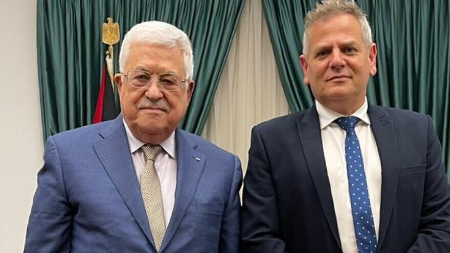 Palestinian Authority leader Mahmoud Abbas (left) with Israeli Health Minister and Meretz head Nitzan Horowitz at the Muqata in Ramallah, Oct. 3, 2021. Source: Twitter.