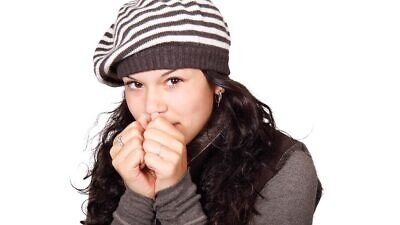 There is a scientific reason why women feel colder than men, according to researchers at Tel Aviv University. Credit: Pixabay.